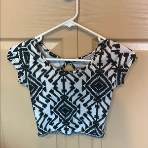 XS black and white patterned crop top